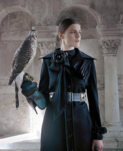 Dame au faucon