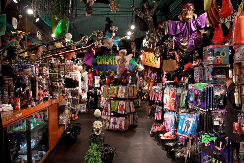 halloween spirit store in pueblo colorado