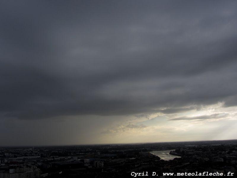 Instabilit vue depuis la tour bretagne nantes dimanche 23 septemb photos vid os et - Heure coucher soleil nantes ...