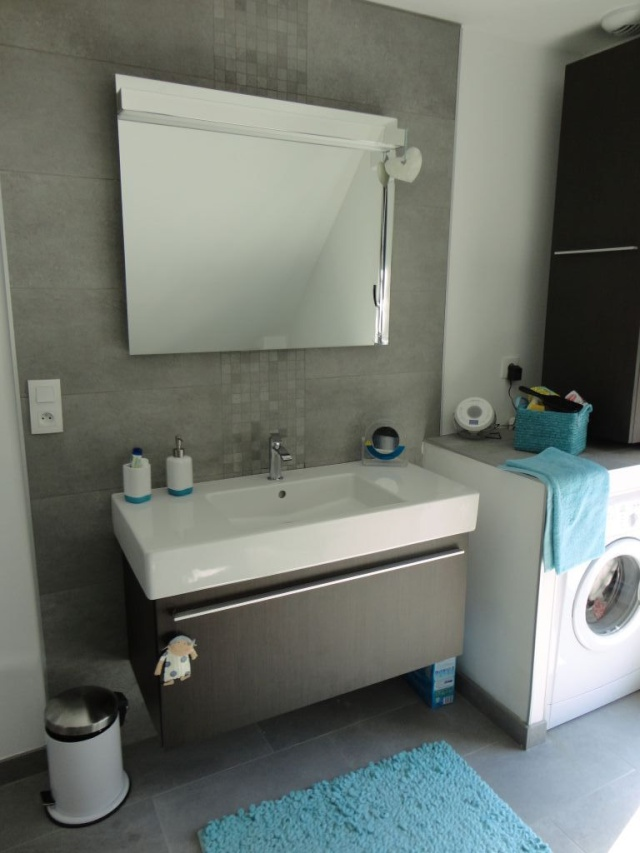 Salle de bain beige et turquoise salle de bain beige et for Salle de bain grise et beige